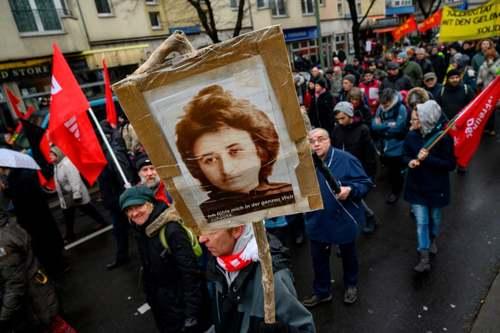 راهپیمایی سوسیالیست های آلمانی در صدمین سالگرد تیرباران