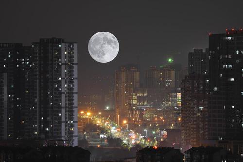پدیده اَبَرماه در شهر نانجینگ چین