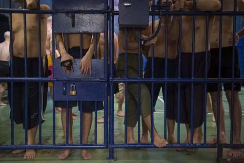یک مرکز نگهداری از مهاجران غیرقانونی در شهر بانکوک تایلند/ خبرگزاری فرانسه