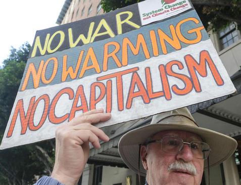 تظاهرات اعلام هشدار برای خطرات ناشی از تغییرات اقلیمی برای جهان/ شهر لسآنجلس آمریکا