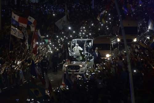 استقبال از پاپ فرانسیس در شهر پاناماسیتی/ آسوشیتدپرس