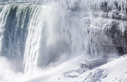 یخزدگی بخشهایی از آبشار