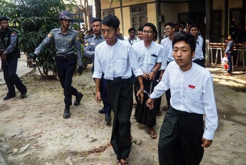 پس از دادگاه چند فعال دانشجویی در شهر