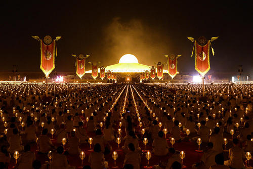 جشنوارهای آیینی در معبدی در تایلند/رویترز