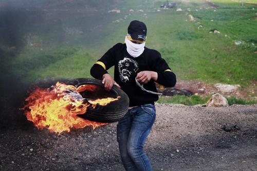 تظاهرات جوانان فلسطینی علیه شهرک سازیهای غیرقانونی اسراییل- رام الله/APA