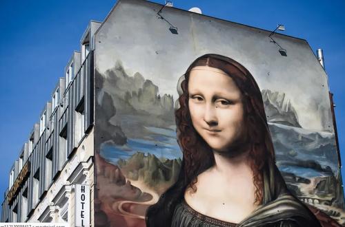 کشیدن نقاشی دیواری از تابلوی معروف