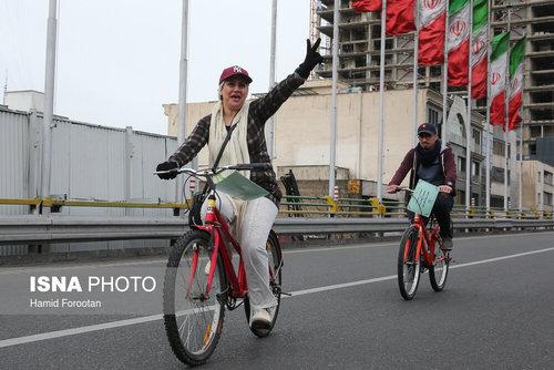 حضور زنان در همایش دوچرخه سواری در شهر تهران