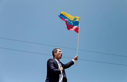 اجرای سرود ملی ونزوئلا از سوی