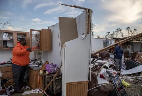 ویرانی خانهها در اثر گردباد در ایالت