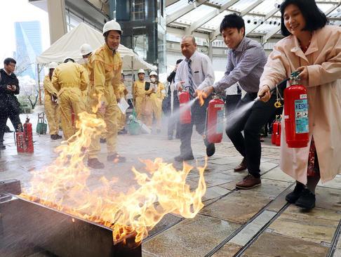 مشارکت بیش از 1000 شهروند ژاپنی در یک مانور آمادگی