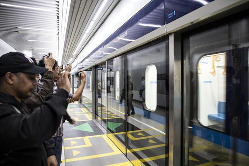 افتتاح قطار سریعالسیر شهر جاکارتا اندونزی. این خط قطار زیر زمینی و رو زمینی نقش بسیار مثبتی در کاهش ترافیک در پایتخت اندونزی خواهد داشت./ زوما
