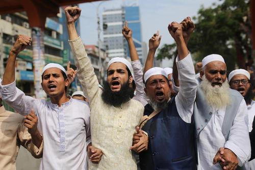 تظاهرات پس از نماز جمعه شهر داکا بنگلادش در محکومیت حمله تروریستی به مساجد در نیوزیلند/