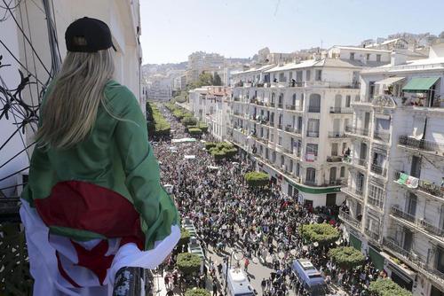 تظاهرات بزرگ مخالفان در اعتراض به
