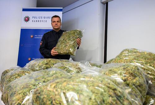 کشف مقادیری مواد مخدر از سوی پلیس هانوفر آلمان/ خبرگزاری آلمان