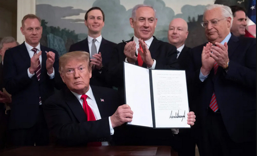 امضای فرمان به رسمیت شناختن حاکمیت اسراییل بر بلندیهای جولان از سوی ترامپ/ خبرگزاری فرانسه