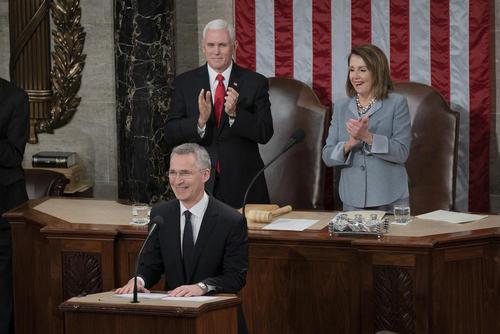 سخنرانی دبیر کل ناتو در نشست مشترک کنگره آمریکا به مناسبت هفتادمین سالگرد تاسیس این پیمان امنیتی- دفاعی/ زوما