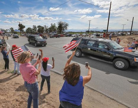 بازدید ترامپ از منطقه مرزی بین ایالت کالیفرنیا آمریکا و مکزیک