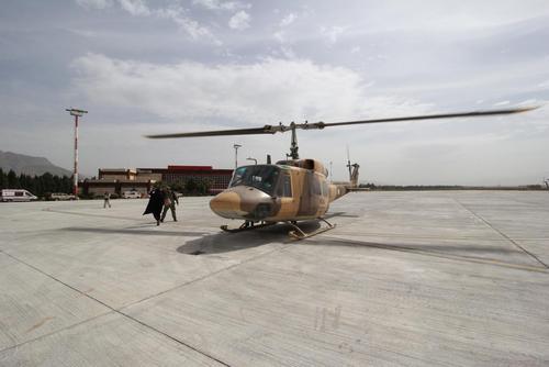 هلیکوپتر ارتش جمهوری اسلامی که برای امدادرسانی بلند میشود
