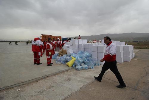 دپو بستههای امدادی در فرودگاه خرمآباد