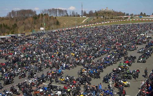 مسابقات بزرگ موتورسواری در