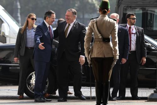 استقبال وزیر امور خارجه شیلی از همتای آمریکایی در شهر سانتیاگو
