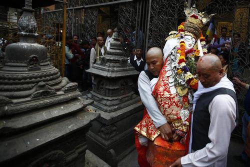 راهبان بودایی در جشنوارهای آیینی در کاتماندو نپال