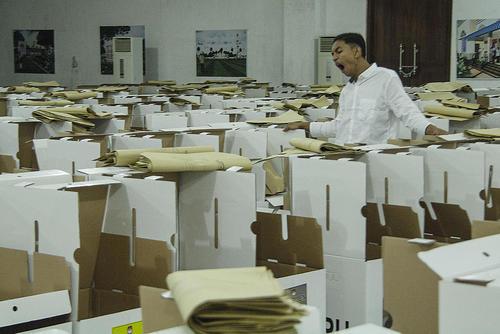 آماده سازی صندوقهای آرای انتخابات سراسری پارلمانی و ریاست جمهوری اندونزی/SOPA