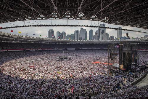 گردهمایی حامیان رییس جمهوری اندونزی در استادیوم اصلی شهر جاکارتا در آستانه انتخابات سراسری (17 آوریل- 3 روز دیگر) این کشور