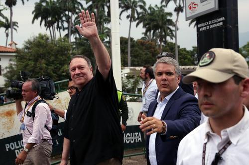 بازدید وزیر خارجه آمریکا به همراه رییس جمهوری کلمبیا از پل مسدود شده