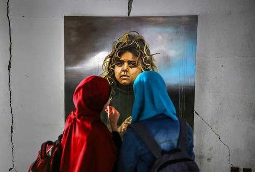 نمایشگاه نقاشی یک هنرمند فلسطینی در غزه/ خبرگزاری آناتولی