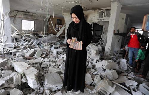 خانه ویران شده یک خانواده فلسطینی در اثر حمله هوایی اسراییل در منطقه رفح در جنوب نوار غزه/APA