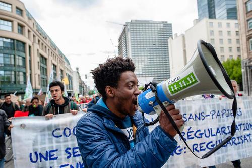تظاهرات در حمایت از مقابله با تغییرات اقلیمی و عدالت برای همه در شهر بروکسل بلژیک