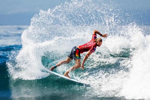 مسابقات بینالمللی موجسواری در سواحل جزیره