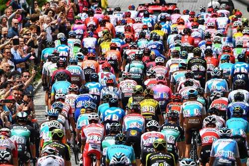مسابقات بینالمللی دوچرخه سواری تور ایتالیا/EPA