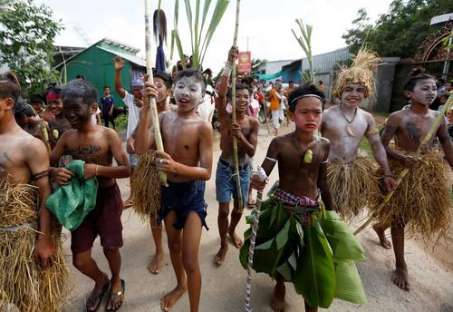 جشنواره خوشبختی و باران در شهر