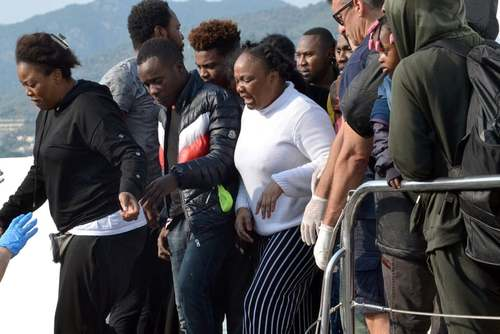 ورود پناهجویان آفریقایی به جزیره لسبوس یونان/EPA