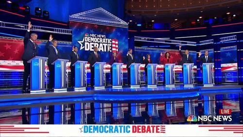 رایگیری از نامزدهای حزب دموکرات آمریکا دربار هموافقت آنها با بازگشت به برجام در نخستین مناظره نامزدهای حزب دموکرات در شهر میامی ایالت فلوریدا آمریکا/ رویترز