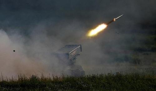 سیستم موشکی تورنادو-جی در وضعیت آتش