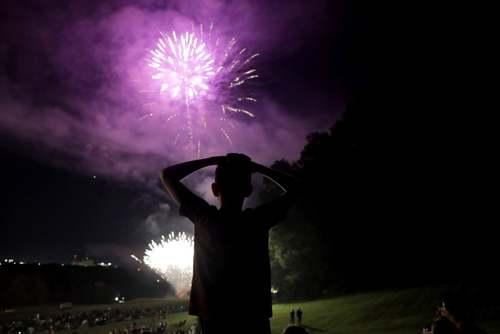آتشبازی به مناسبت سالگرد استقلال ایالات متحده آمریکا در شهر بالتیمور آمریکا/ آسوشیتدپرس