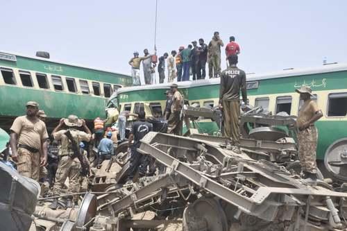 11 کشته در تصادف قطار در پاکستان/ آسوشیتدپرس