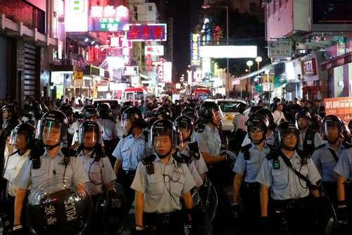 ادامه اعتراضات بر ضد لایحه بحثبرانگیز استرداد مجرمان به چین در هنگکنگ/ رویترز