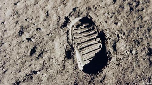 آپولو ۱۱: پای انسان به ماه رسید + تصاویر