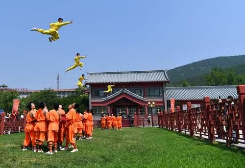 نمایش هنرهای رزمی در چین/ شینهوا