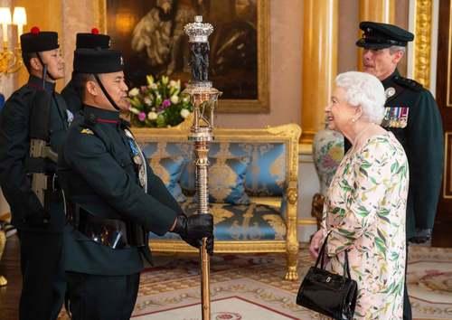 گارد تشریفات ملکه بریتانیا در کاخ باکینگهام/ خبرگزاری فرانسه