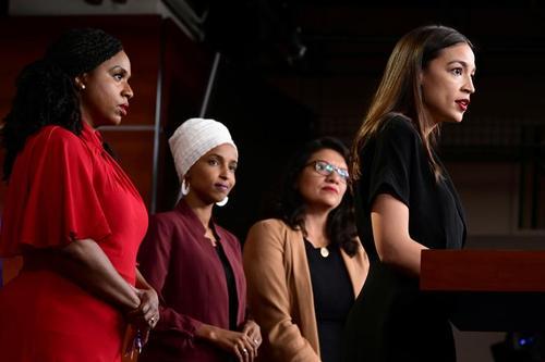 نشست خبری 4 نماینده زن کنگره آمریکا در محکومیت توهینهای نژادپرستانه علیه خودشان/ واشنگتن دیسی/ رویترز