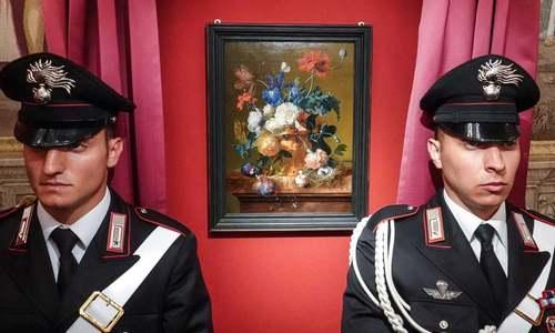 بازگردانده شدن یک اثر هنری دزدیده شده از سوی یک سرباز آلمانی در جنگ دوم جهانی به موزهای در فلورانس ایتالیا. این اثر هنری نفیس برای یک نقاش هلندی است.
