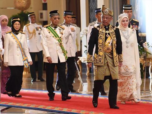 مراسم تاجگذاری پادشاه جدید مالزی عکسها: آناتولی