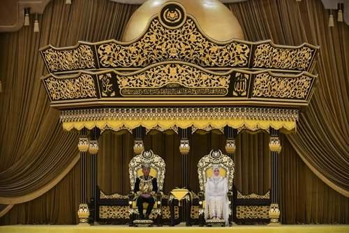 تاجگذاری پادشاه جدید مالزی در کوالالامپور/ رویترز