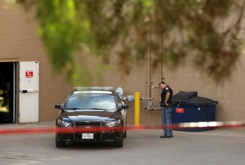 نیروهای پلیس در تلاش برای برقرای امنیت و آرامش در الپاسو تگزاس/ رویترز