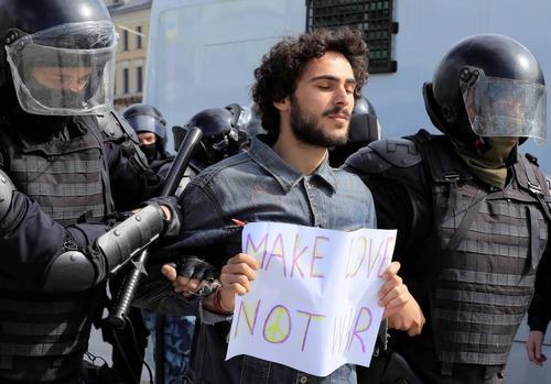 یکی از بازداشتشدگان نوشته